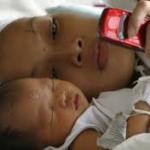 Mobile phones help Bangladesh raise neonatal immunization