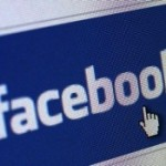 Youngsters use social websites to chat