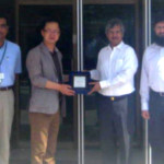 Samsung Chief visits JPMC to observe the latest donated equipment.